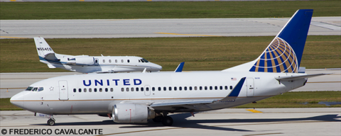 United Airlines --Boeing 737-500 Decal
